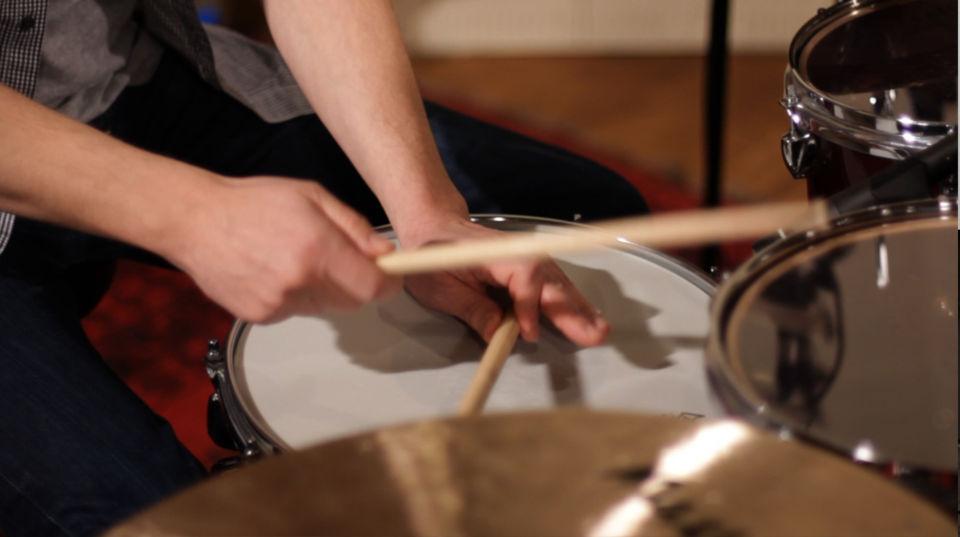 native instruments studio drummer grooves