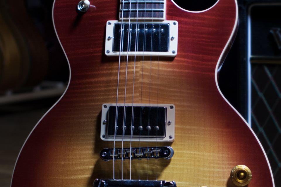 Komplete : Gitarre : Session Guitarist – Electric Sunburst | Produkte